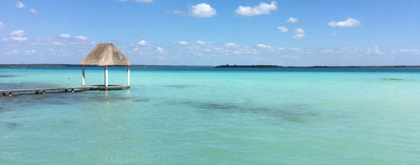 Mexiko-Bacalar-Laguna-Bacalar-Blau