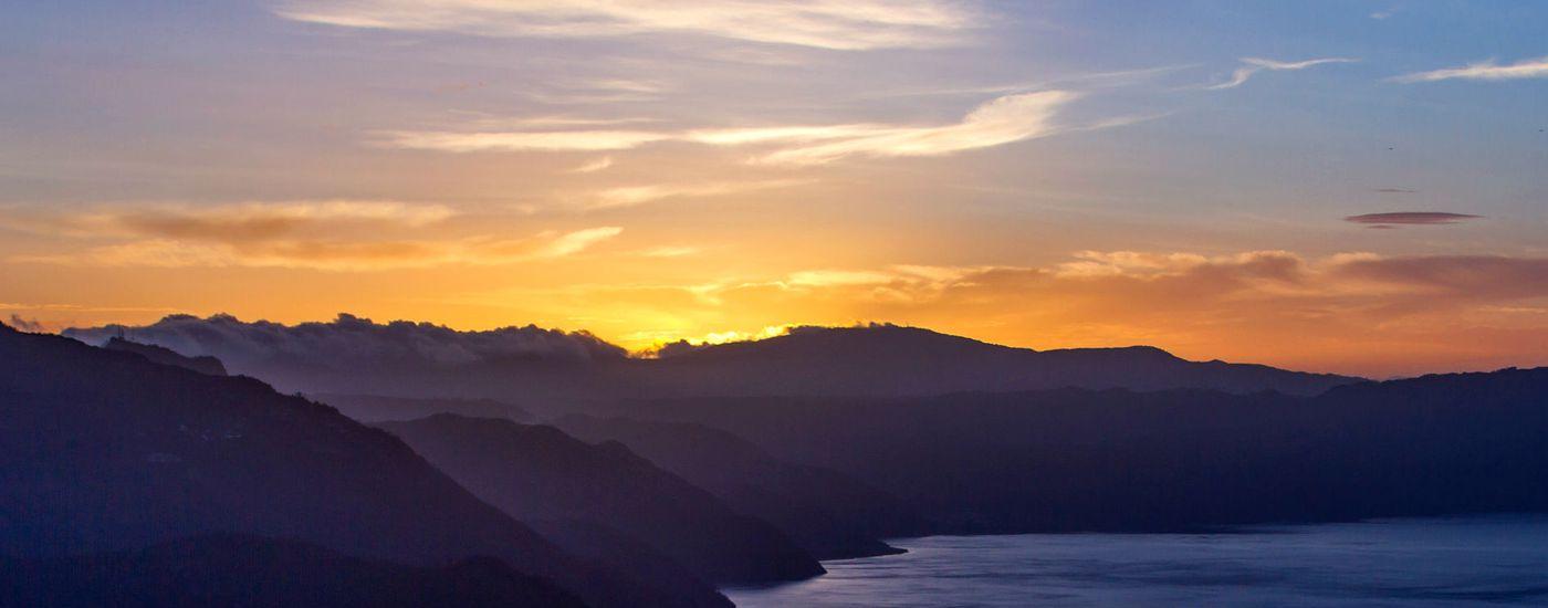 Guatemala Atitlan See Sonnenuntergang Ufer2