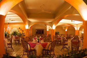 Hotel & Suites Villasol