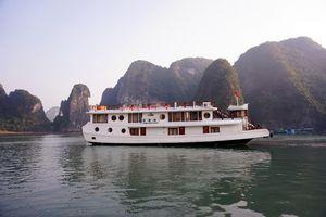 Vietnam Halong Bucht Dorf auf dem Wasser Besuch