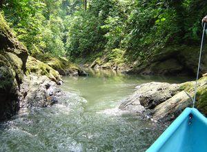 canoe at rio claro 2
