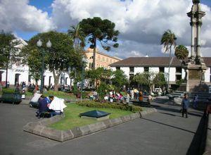 quito plaza 51dsF6c