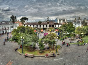 ecuador quito plaza mayor