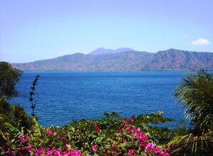 Nicaragua Granada lake apoyo