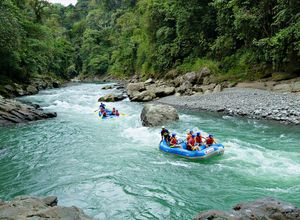 costa rica pacuare lodge rafting