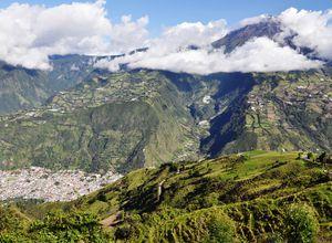 ecuador banios tungurahua ojos del volcan