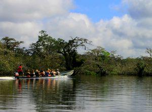 Kanu auf dem Rio Napo, Ecuador