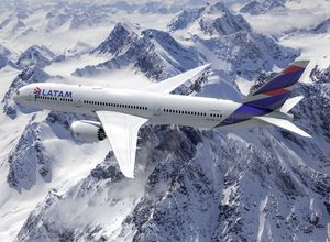 chile latam dreamliner