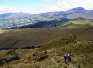Wanderung zum Corazón Vulkan in Ecuador