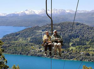 Toursiten im Sessellift in bariloche