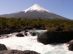 Chile Seengebiet Petrohue Wasserfaelle
