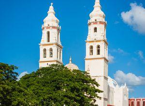 Mexiko Campeche Kirche iStock 843813128