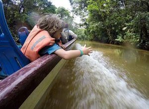 Brasilien Amazonas Speedboot