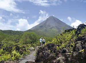 Costa-Rica-Vulkan-Arenal-Menschen