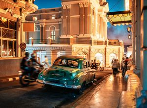 Kuba Santiago de Cuba Nightlife iStock 681961940