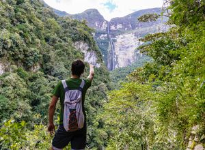 Peru Chachapoyas Wasserfall Gocta iStock 1134644178
