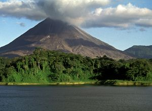 Costa_Rica_LaFortuna_ElArenal_Vulkan