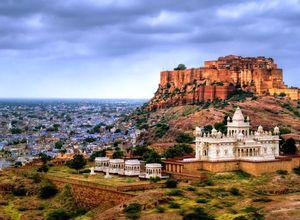 Indien Jodhpur Fort Jaswant Thada Mausoleum imposant Skyline