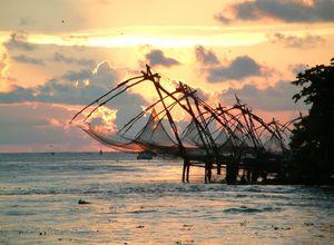 Indien Cochin Chinesische Fischernetze spannend