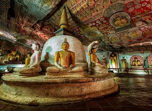 Sri Lanka Dambulla Hoehlentempel Statuen Reisespezialist