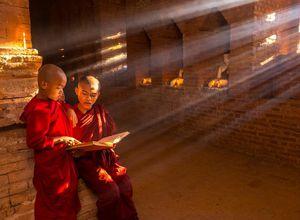 Myanmar Buddhisten Moenche Spiritualitaet Reise Erlebnis