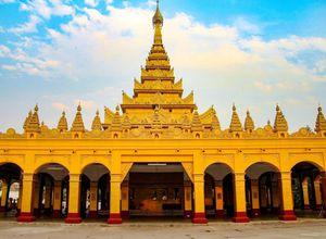 Myanmar Hsipaw Bawgyo Pagode gold Sehenswuerdigkeit Besonderheit