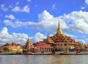 Myanmar Inle Phaung Daw Oo Pagode Sehenswuerdigkeit