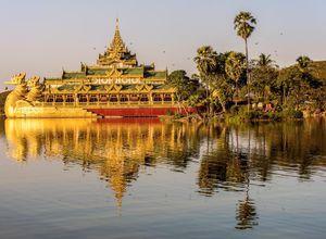 Myanmar Yangon Kandawgyi Park Sehenswuerdigkeit Reiseanbieter