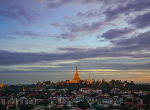Myanmar Yangon Shwedagon Sehenswuerdigkeit