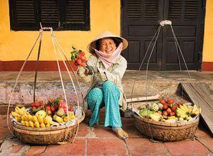 Vietnam Hoi An Obstverkaeuferin kulinarisch Kochkurs