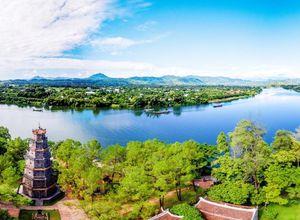 Vietnam Hue Thien Mu Pagode Parfuemfluss Bootsfahrt