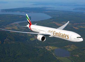 Emirates Boeing Flugzeug Urlaub Reise