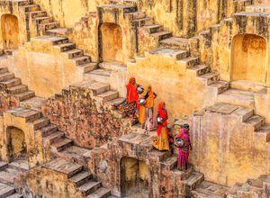 Indien Jojawar Treppen Frauen Reise