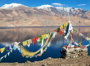 Indien Ladakh Tso Moriri fahnen