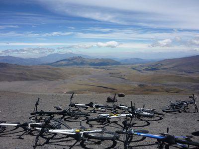 ecuador cotopaxi downhilltour view