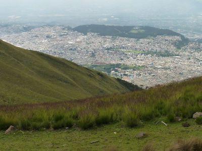 Blick auf Quito vom Pichincha Vulkan