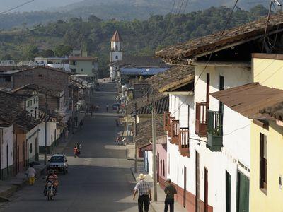 Kolumbien San Agustin Kolonialstraße