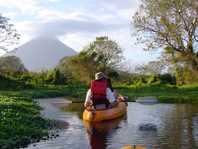 Nicaragua Las Isletas Kayak mit Vulkan