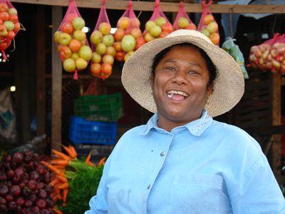 Nicaragua Sebaco bei Matagalpa Obstverkaeuferin