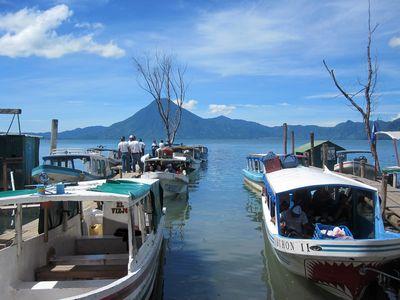 Guatemala-Lago-Atitlan-Boote