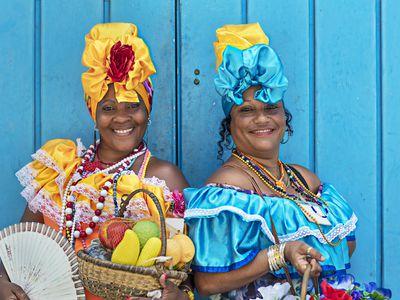 Kuba Frauen Kleidung iStock 811935914