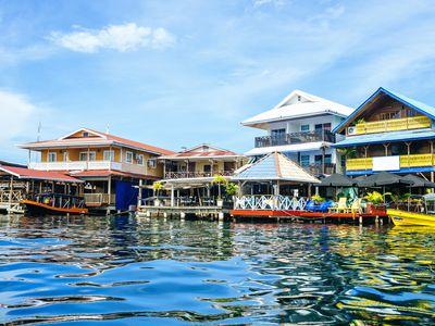 Panama Bocas del Toro Haeuser iStock 921776876