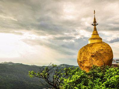 Myanmar Kyaiktiyo Felsen gold Nationalheiligtum Besuch