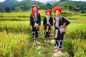 Vietnam Sapa Volksstamm Bergvoelker Dorf Besuch